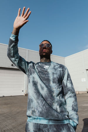 Load image into Gallery viewer, Candy oversized sweater in blue tie dye