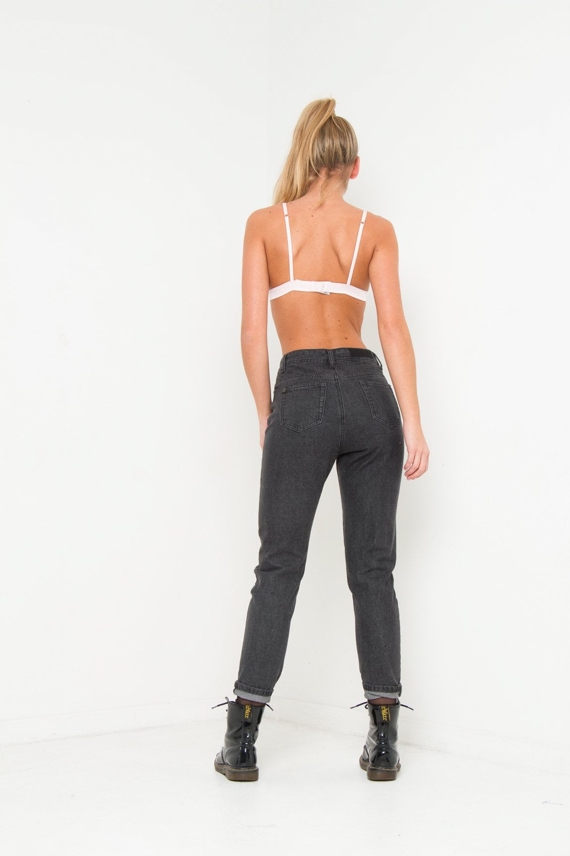 LAX High rise mom jean with lilly print in washed black