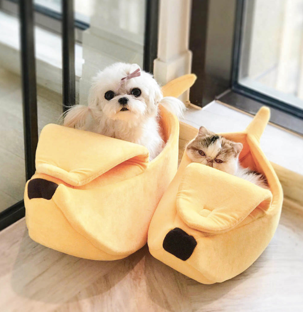 Cozy Banana Cave Bed for Cats & Pets