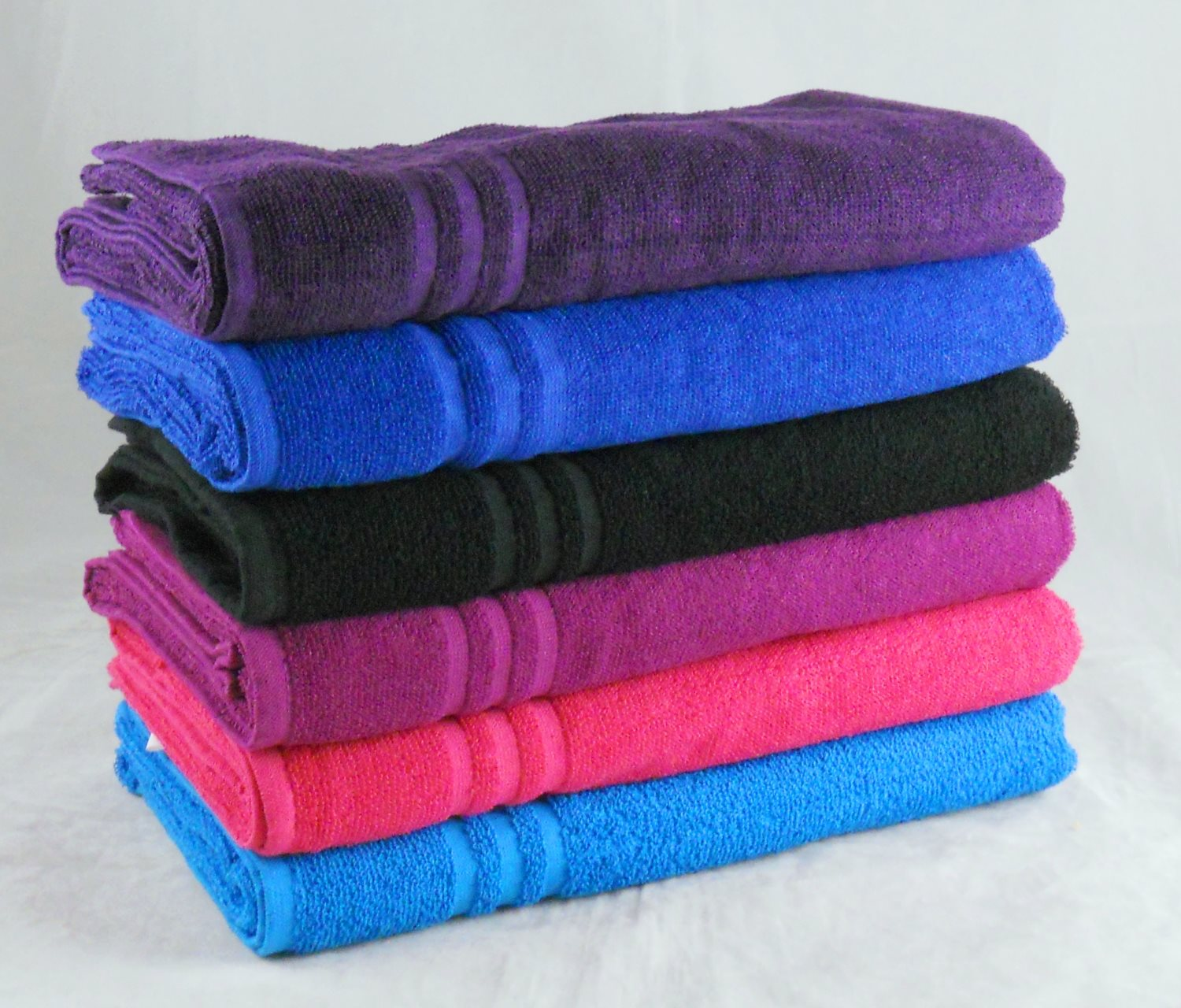Wholesale Magenta Bath Sheets Budget Quality 380 GSM Pack of 24