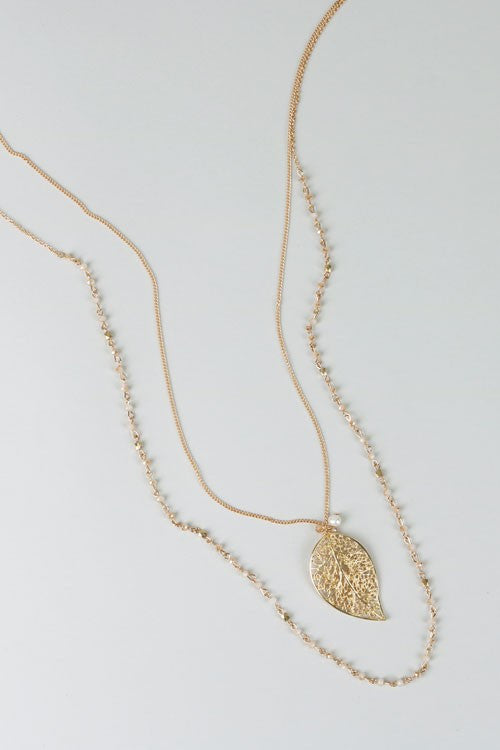 Chic layered leaves necklace ivory