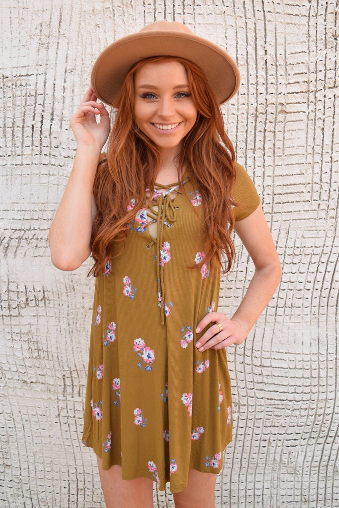 Chic Colorado Rose Lace Up Dress Mustard