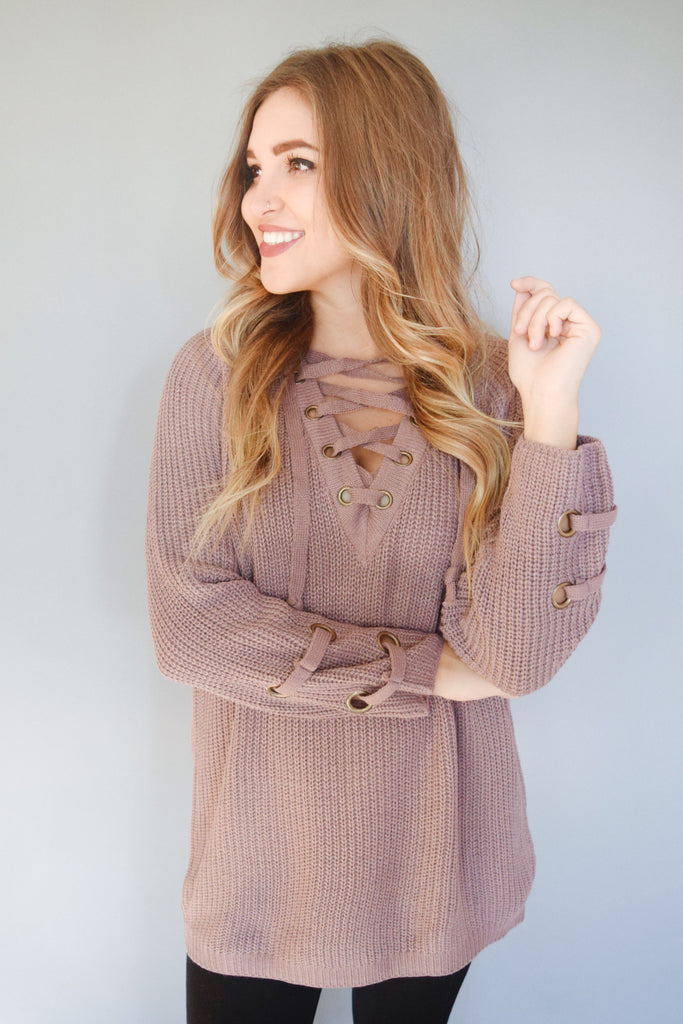 Trendy evergreen lace up sweater mauve