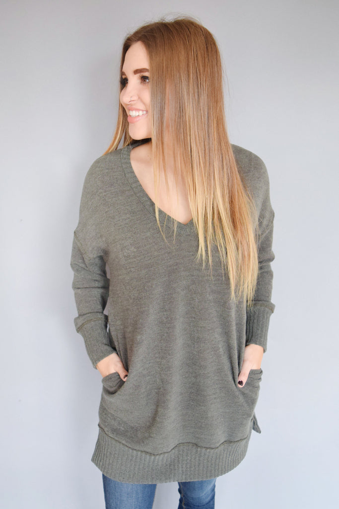 Cute open skies long sweater olive