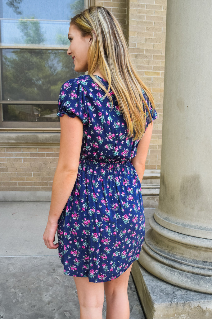 Trendy navy floral day dress