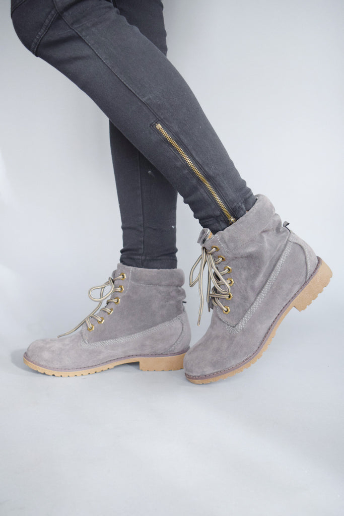 Cute northern country boot grey