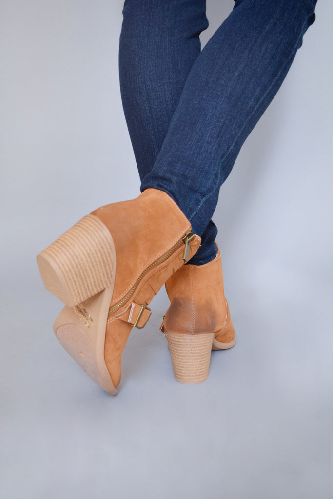 Trendy Online avenue buckle booties camel