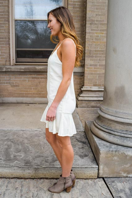 Trendy modern 20s throwback ivory dress