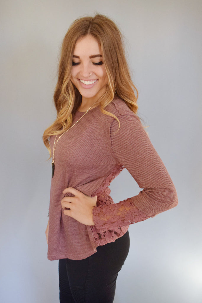 Womens Boutique lace sleeve thermal