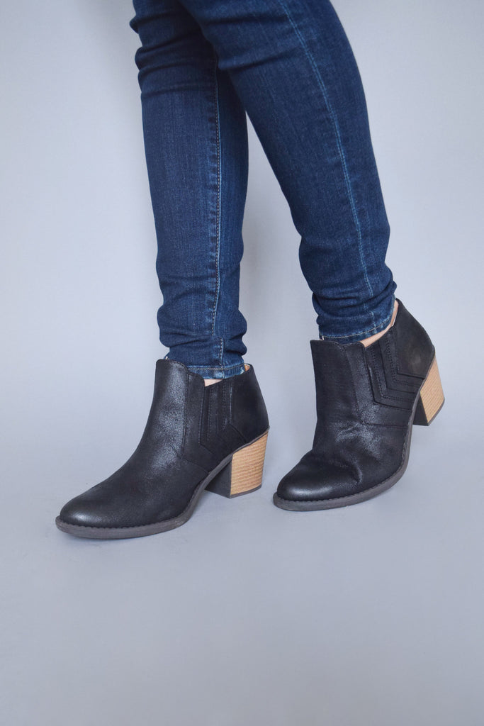 Affordable trail blazer bootie black