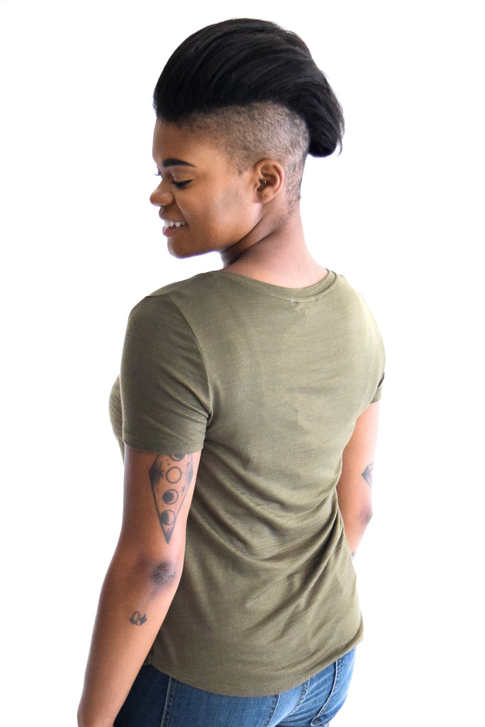 Mountain Pocket Tee In Olive