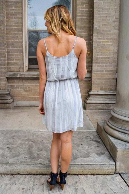 Chic romatic date grey dress