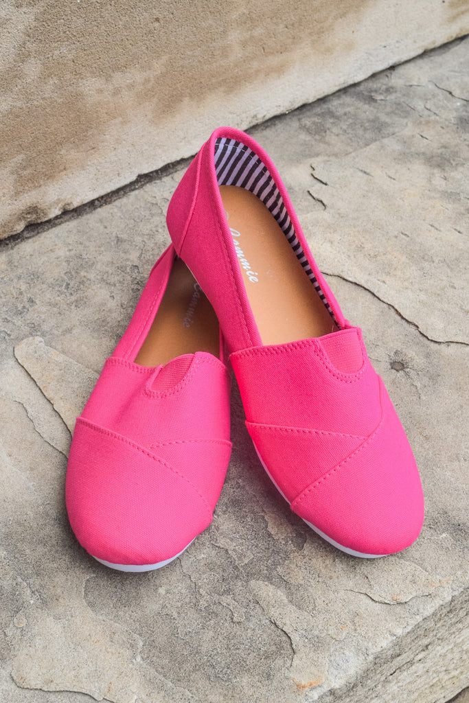 Trendy Online Fuchsia Canvas Shoe