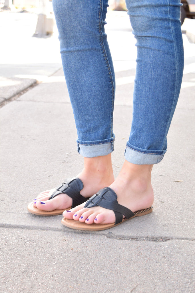 Chic mohave desert black sandals