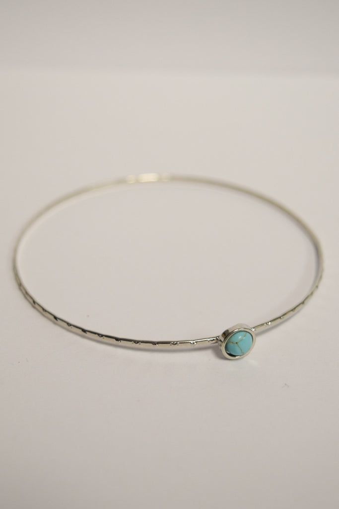 Chic little detail bangle