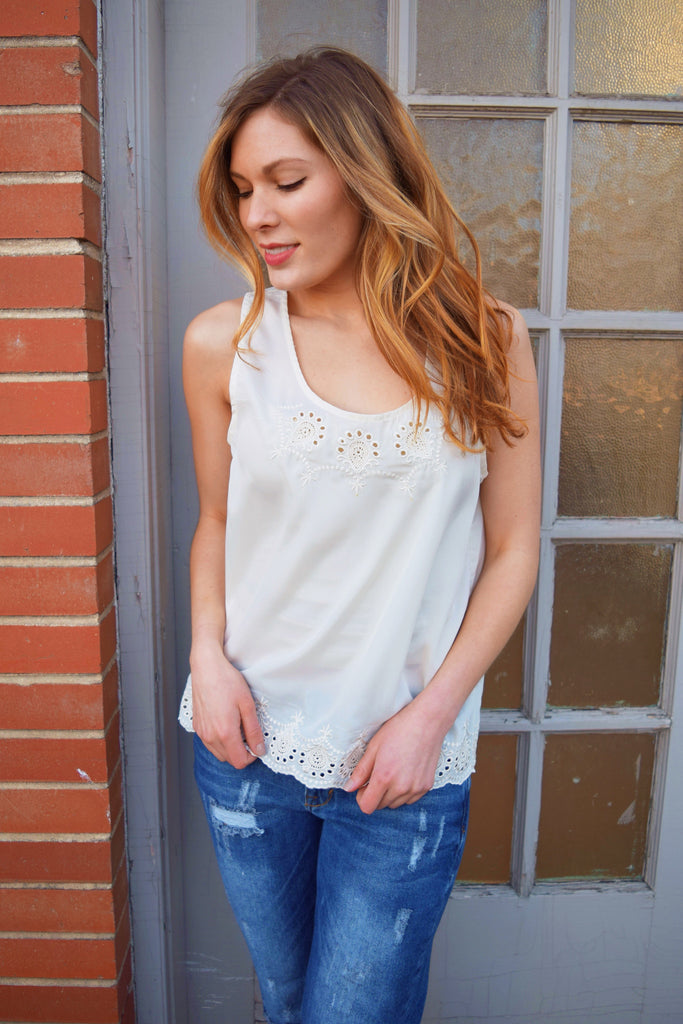 Chic IVORY CUT-OUT TANK