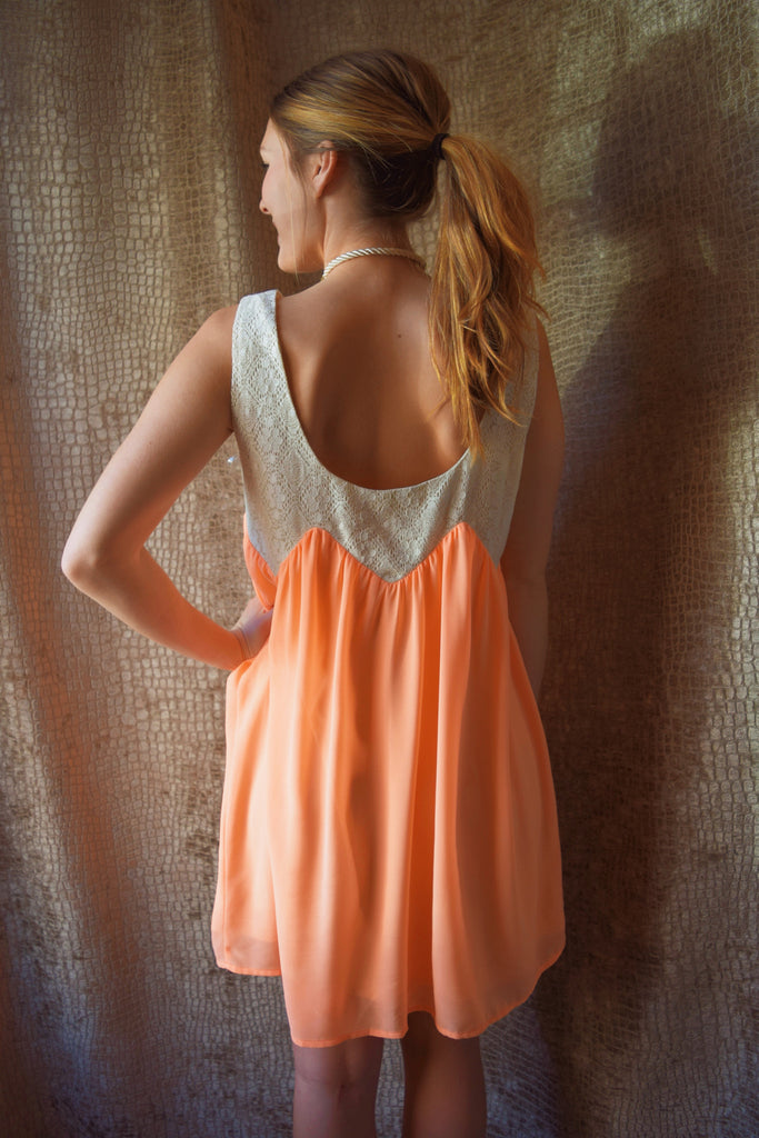 Cute lace sleeveless spring shift dress