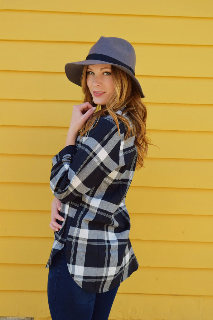 Womens Boutique PROMINENT PLAID TOP