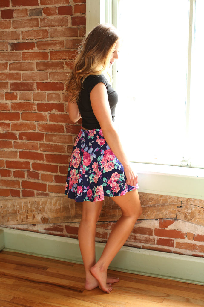 Womens Boutique textured floral skirt