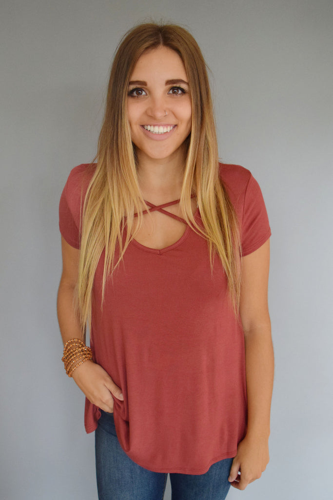 Trendy Online west coast strappy front tee rust