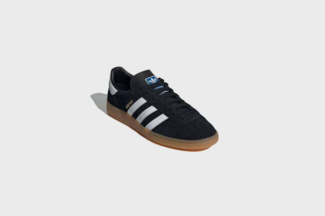 Adidas Munchen (Core black/Core White/Metallic Gold)