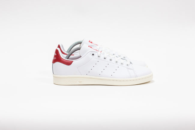 Adidas Stan Smith (Cloud White/Off White/Scarlet)