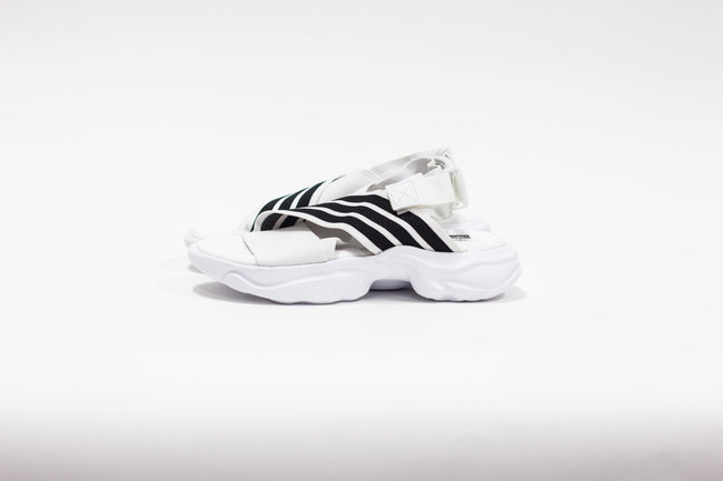 WMNS Adidas Magmur Sandals (Footwear White/Black)