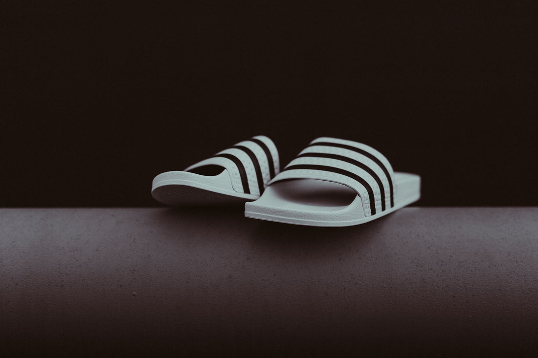 Adidas Adilette (White/Core Black)