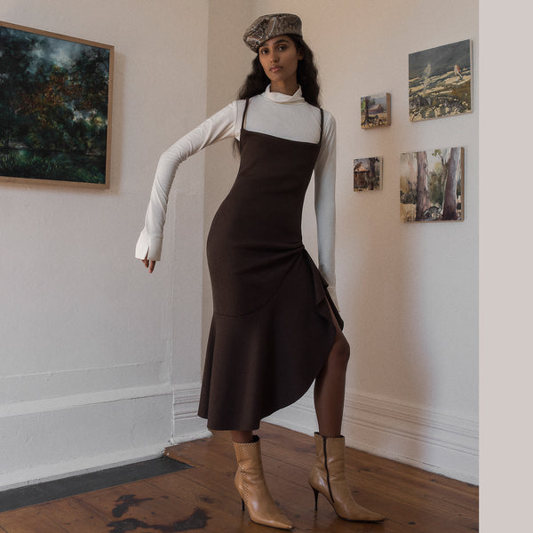 <b>N°4</b> <p><b>walnut ribbed knit dress with flounce</b> <p>
