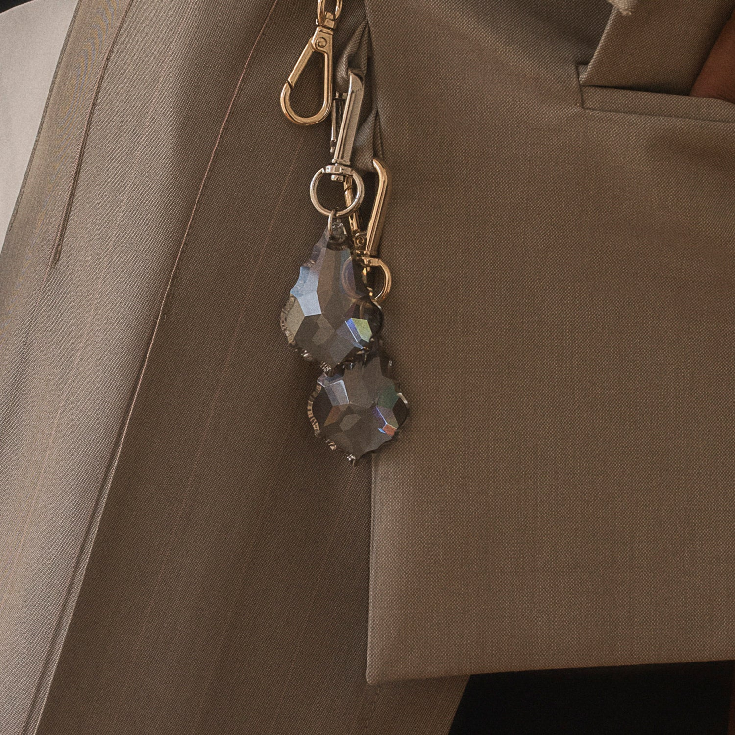 <b>N°4</b> <p><b>grey french cut chandelier bag charm</b> <p>