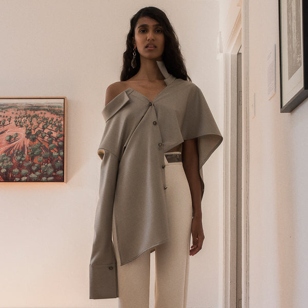 <b>N°4</b> <p><b>stone asymmetric two-way shirt</b> <p>