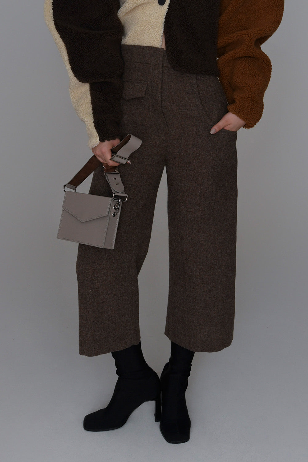 <b>N°6</b> <p><b>Autumn Pant</b> <p></b>Nutmeg