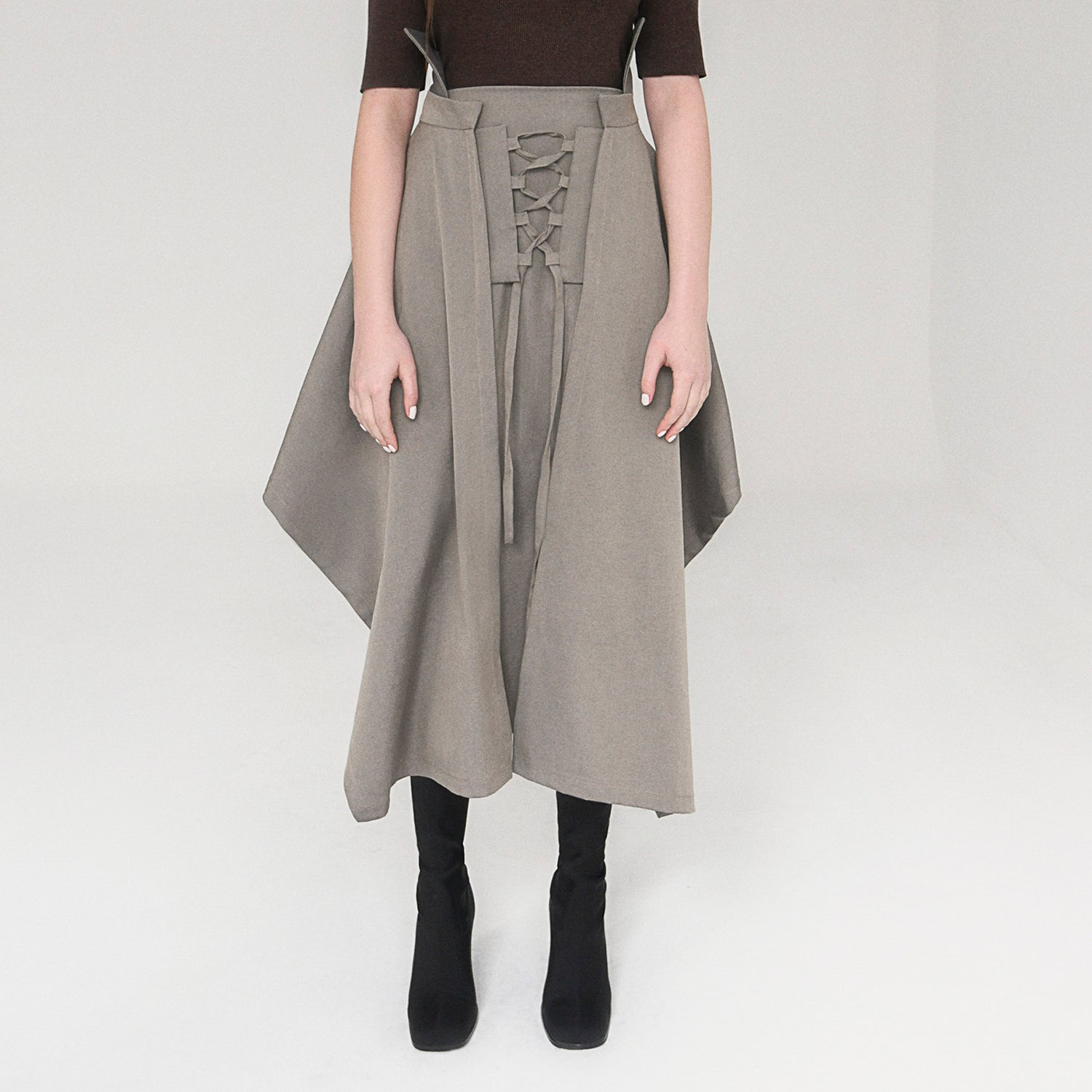 <b>N°5</b> <p><b>Estelle Skirt</b> <p></b>deep stone