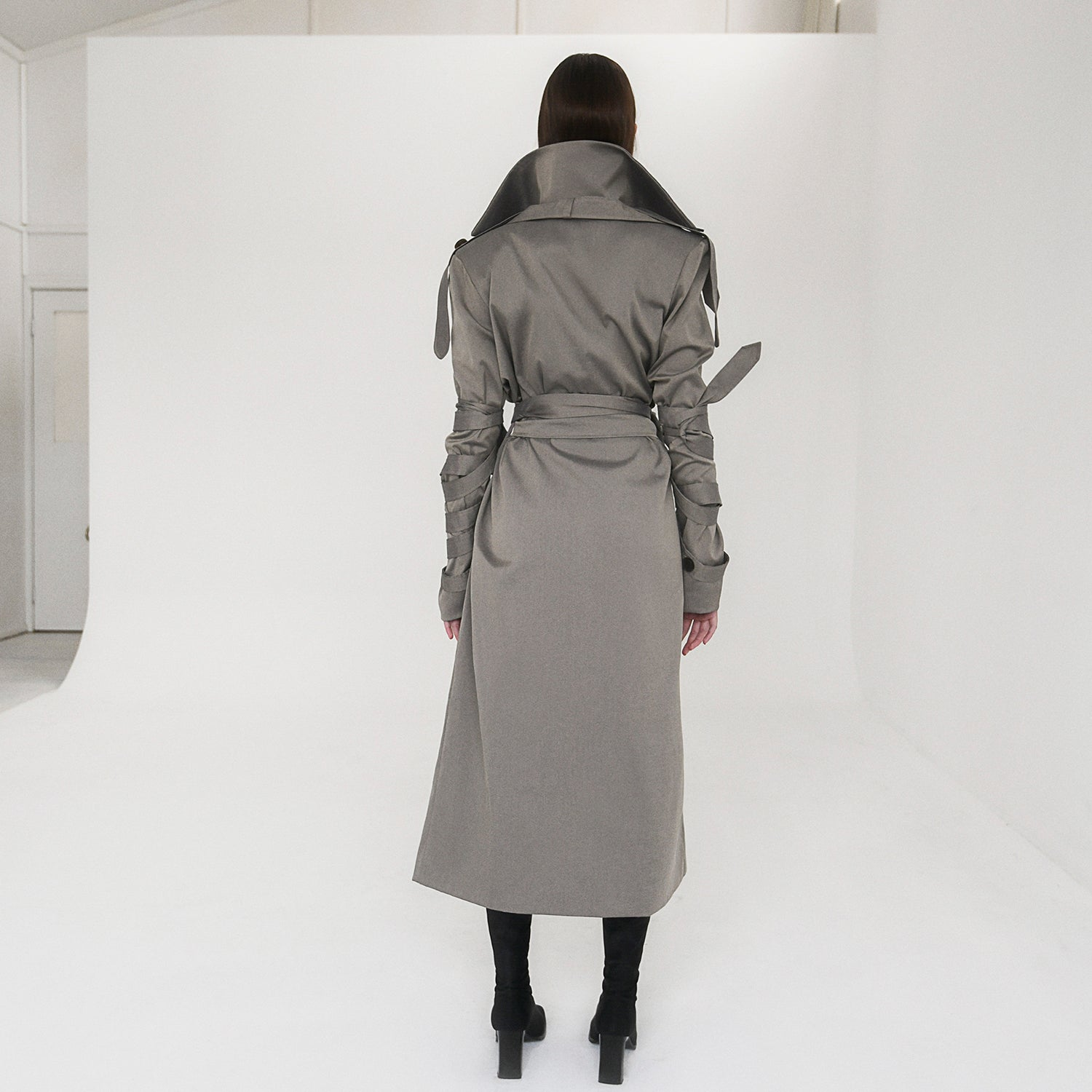 <b>N°5</b> <p><b>Lamar Trench Coat</b> <p></b>deep stone