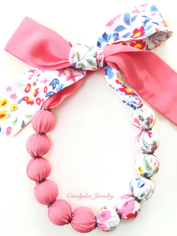 Peachy Pink Floral Necklace