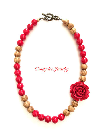 Woody Rose Necklace