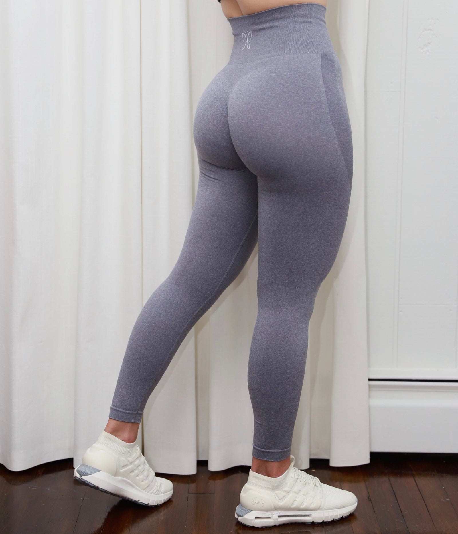 GREY SEAMLESS LEGGINGS