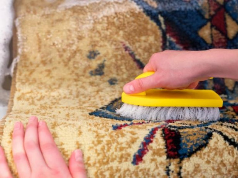 How to Clean a Rug at Home Easily [A Step-by-Step Guide]