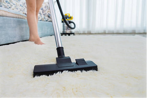 Cleaning a shaggy rug with vacuum; best ways to clean a shaggy rug