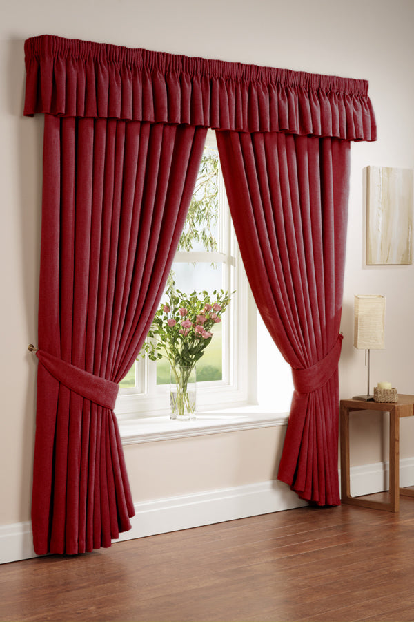 Curtains on windows: Home decorating ideas