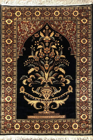 Tree of Life (Vase) Hand-Knotted Trending Rug Black