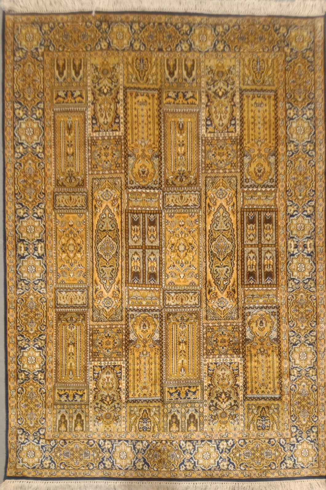 The Rugs Cafe Carpets 4x6 Mughal Garden Design: Silk Rug