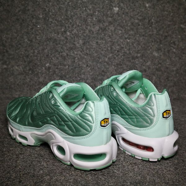 Women's Air Max Plus SE Enamel Green White