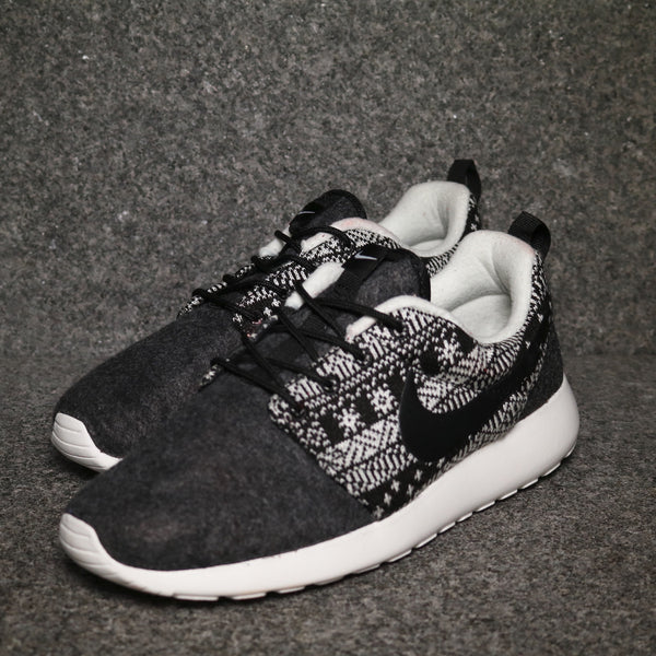 Women's Roshe Winter Black Black White