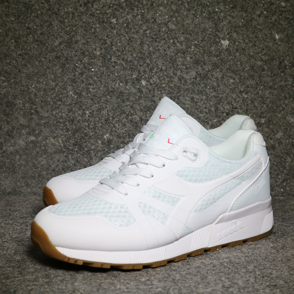 wholesale dealer 401b7 c40e8 ... where to buy nike air max 90 all white nike air max holographic white  c8d88 f5db7