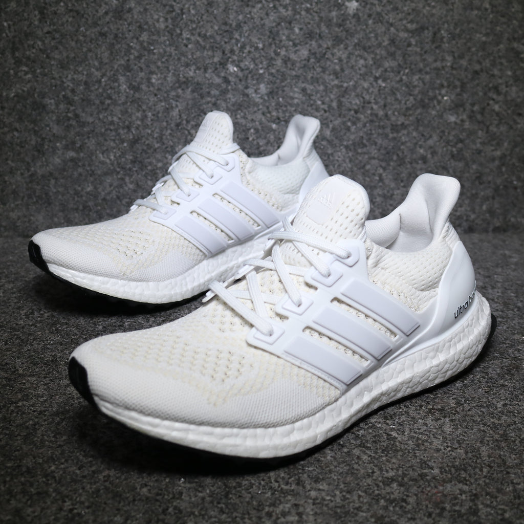 uk availability d77cf 132de Ultra Boost 1.0 Triple White Core White