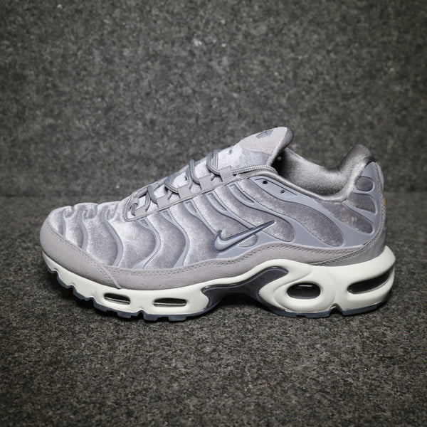 Centre Nike Women's Air Max Plus Deluxe Gunsmore Atmosphere Grey