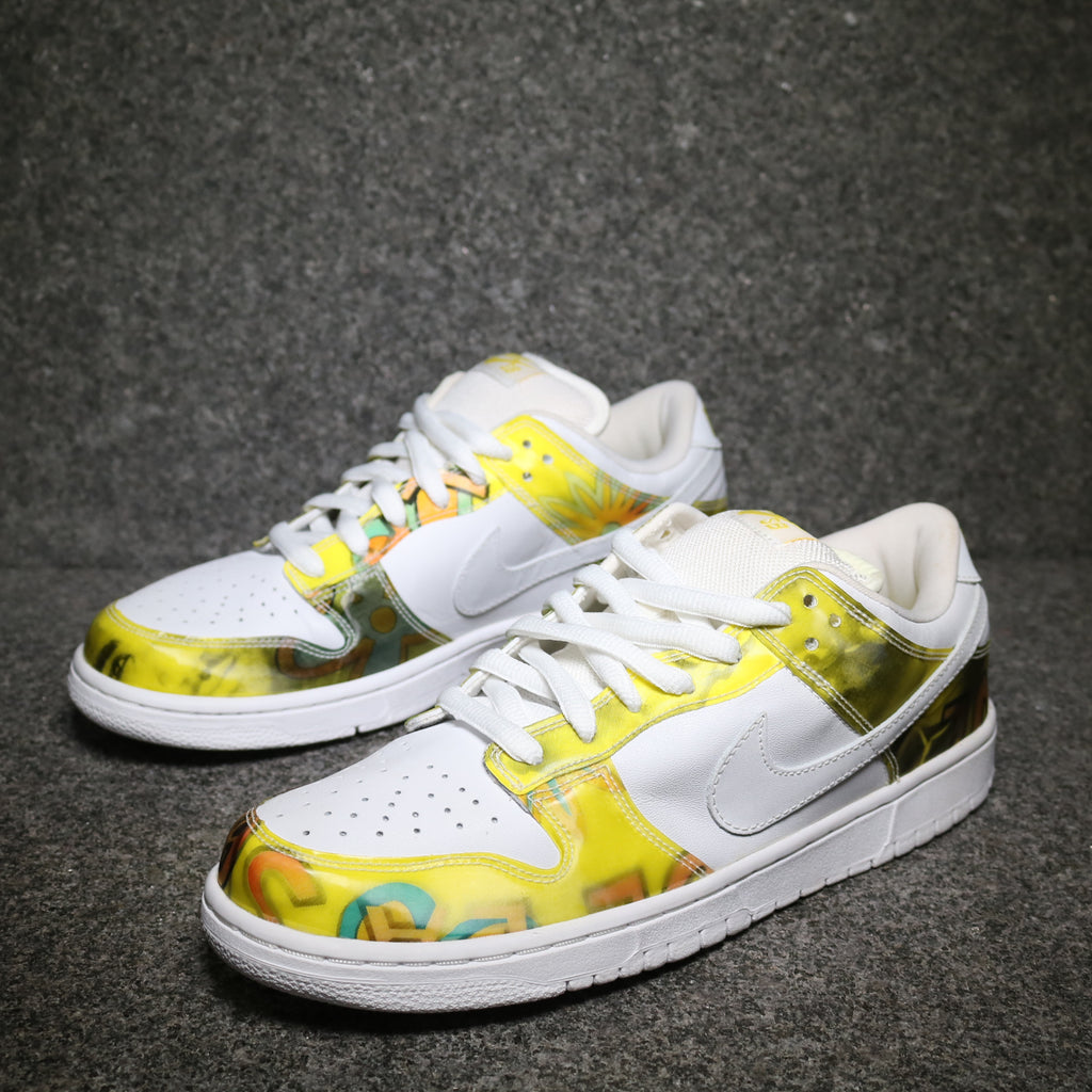 Off Centre view of the Dunk Low Pro SB De La Soul White Yellow at Solemate Sneakers Sydney