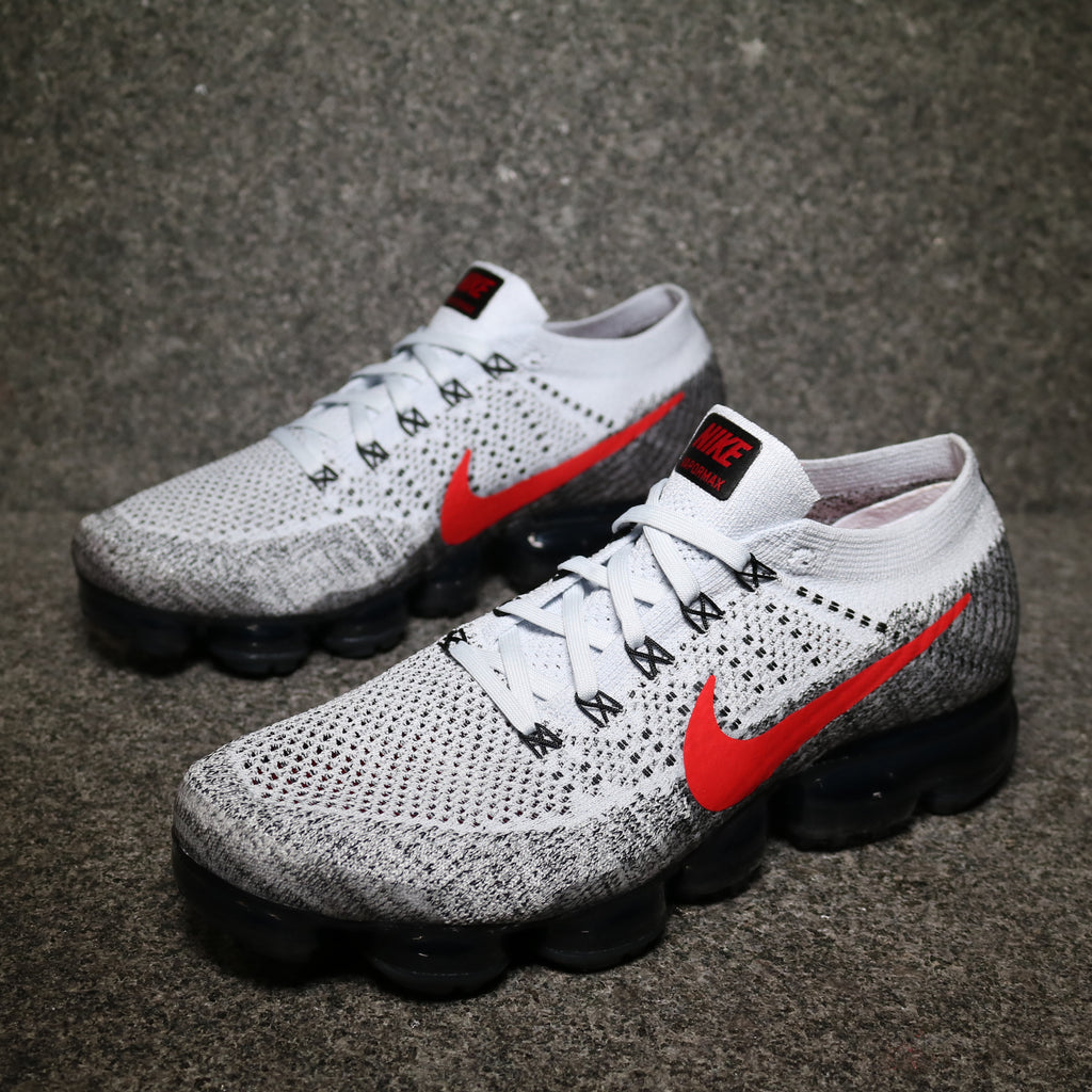 Air Vapormax Flyknit Pure Platinum University Red