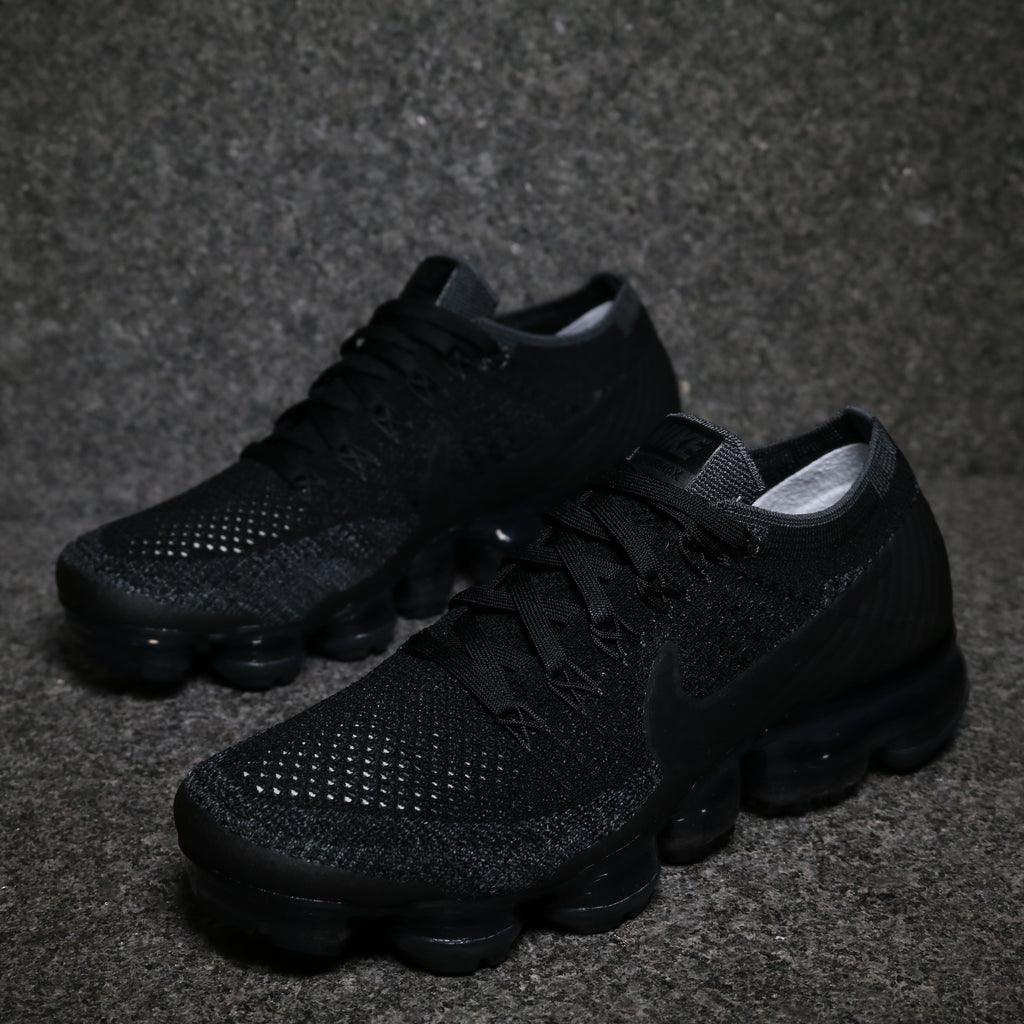 cheap for discount efb1f aa510 Women's Air VaporMax Flyknit 'Triple Black 2.0' Black Anthracite Dark Grey